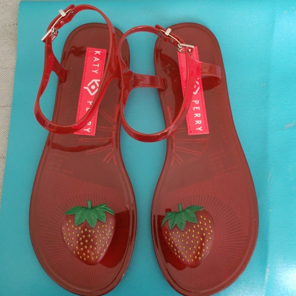 260ffed3dff1 sale Beautiful KATY PERRY 🍓 jelly sandals size 8